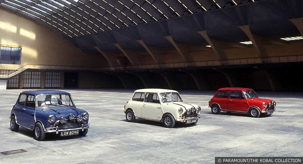 Mini-Coopers-The-Italian-Jo